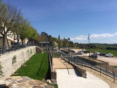 Création de l'esplanade du bourg – Saint-Bonnet-les-Oules (42)